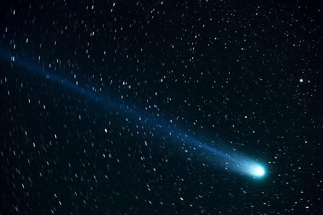 comet-877918_640