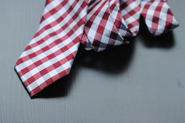 necktie-987784_640
